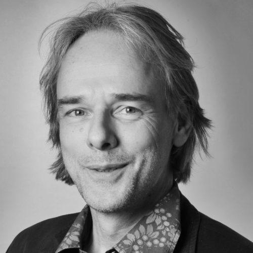 Dr. Dirk Scholten-Akoun