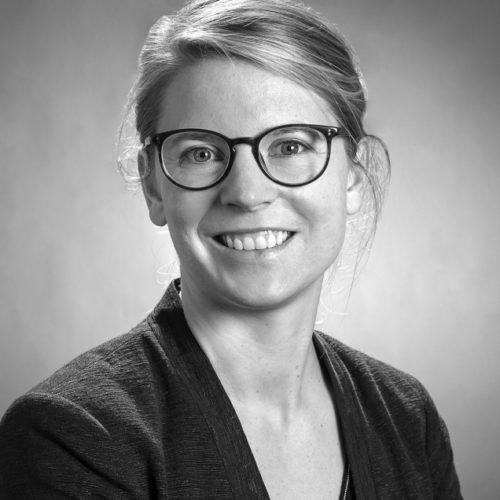 Dr.' Miriam Lotze