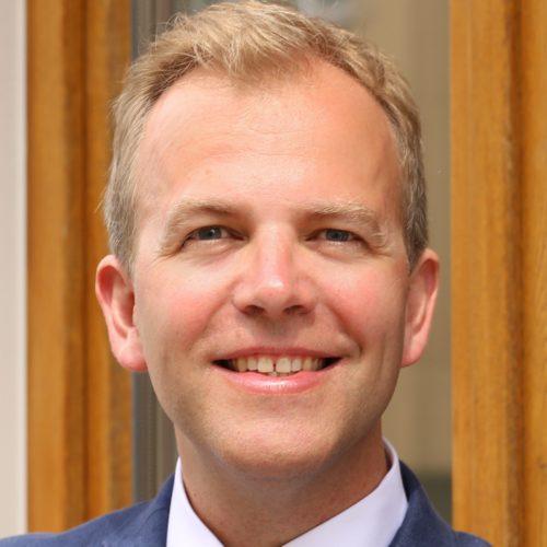 Dr. Lars-Jochen Thoms