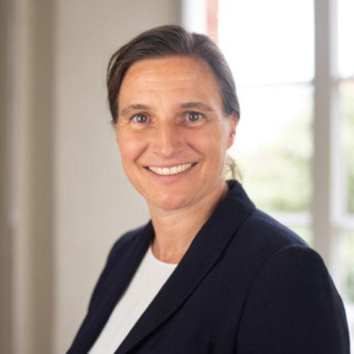 Prof.' Dr.' Julia Gillen